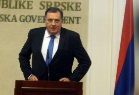 """""""AKO POSTOJI IKAKAV PAPIR IZVINIĆU SE""""  Dodik poručio da se iz priče o ikoni krije obračun Ukrajinaca sa njim"""