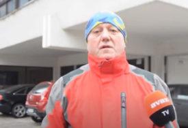 """""""DOSTUPAN SAM 24 SATA DA POMOGNEM"""" Mika svaki dan u bolnicu dovozi boce s kiseonikom za pacijente oboljele od korone (VIDEO)"""