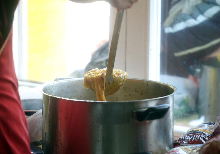 Svakodnevno pripremaju obroke za više od 2.000 ljudi: Vlada Vojvodine uputiće pomoć za narodne kuhinje na Kosmetu