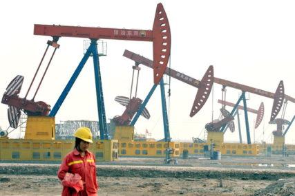 BLOKADE UZELE DANAK Tržišta nafte izgubila 20 odsto vrijednosti u 2020.