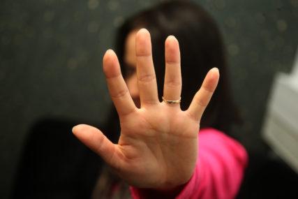 NESVAKIDAŠNJI SLUČAJ  Devojka prijavila momka za silovanje, njen otac ga izbo nožem, a onda se udala za njega