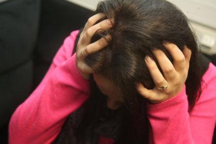 MUŽEVI IM OTIMAJU NOVAC I NE DAJU DA RADE Stravični primjeri ekonomskog nasilja nad ženama