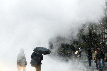 VJETAR, KIŠA I SNIJEG Hiljade domaćinstava bez struje nakon udara oluje Bela