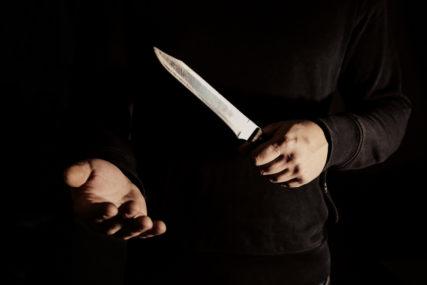 UHAPŠEN ZBOG NAPADA NA MALOLJETNIKA Mladića ubo nožem u nogu