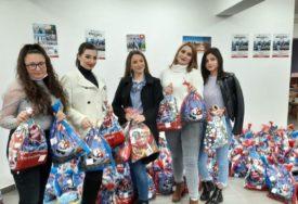 ZNAK PAŽNJE ZA NAJMLAĐE Studenti i srednjoškolci podijelili oko 1.000 paketića