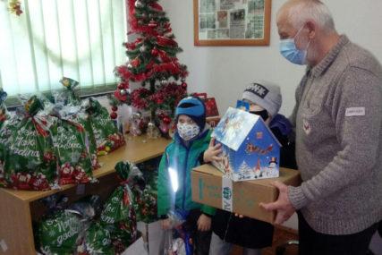 PAKETIĆI ZA PRAZNIKE Donacija Eko toplana obradovala mališane iz višečlanih porodica