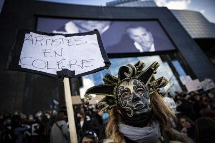 UMJETNICI PODIGLI GLAS Protesti zbog zatvorenih pozorišta, bioskopa i muzeja