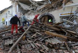 Fotografija dva volontera iz Hrvatske obišla svijet: Zajedno imaju četiri ruke i jednu nogu i ne prestaju da POMAŽU