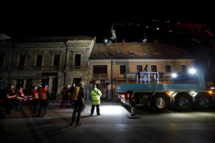 NEMIRNA NOĆ U PETRINJI Nova oštećenja zbog zemljotresa na kućama koje su već pretrpile štetu, LJUDI U STRAHU