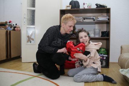 MALA TEODORA BLISTA OD SREĆE Nakon Svetosavske nagrade stižu i pokloni, ali to nije sve (FOTO, VIDEO)
