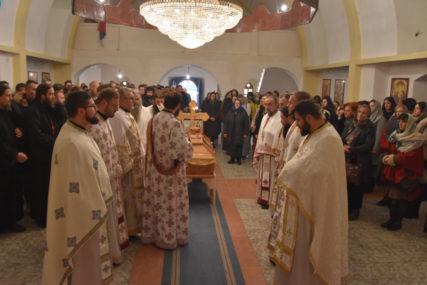 TUGA ZA VOLJENIM MONAHOM U manastiru Glogovac sahranjen MUČKI UBIJENI otac Stefan (FOTO)
