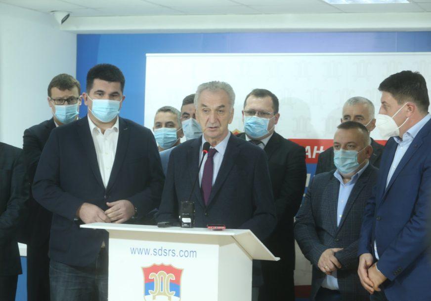"""""""IZBORE U DOBOJU TREBA PONIŠTITI"""" Šarović tvrdi da je građanima uskraćeno da glasaju u poštenim uslovima"""