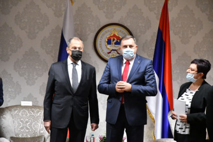 JOŠ NIŠTA OD ISTRAGE Interpol nije dobio zahtjev za provjeru ikone koju je Dodik poklonio Lavrovu
