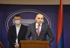 BURA U DNS SE NE STIŠAVA Darko Banjac podnio ostavku, napušta stranku