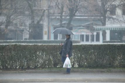 TREBAĆE VAM KIŠOBRAN Sutra u BiH kiša i snijeg, temperatura do pet stepeni
