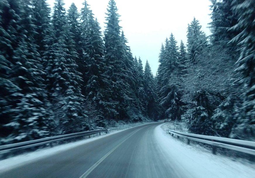 OČEKUJE SE SNIJEG Vozači da budu posebno oprezni na planinskim dionicama