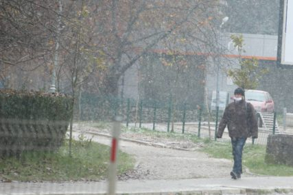 ZIMA SE ZAHUKTAVA Sutra u BiH kiša i snijeg, dnevna temperatura do sedam stepeni