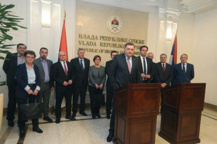 PROTIV PROMJENA I VLAST I OPOZICIJA Ima li Zapad u Srpskoj sagovornika za intervencije u Ustav BiH