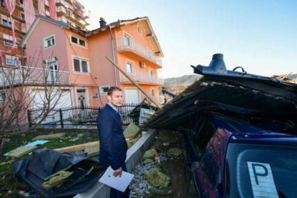 """""""MOGLA SE DOGODITI TRAGEDIJA"""" Grad pomaže Radanovićima, na čiju je kuću PAO KROV ZGRADE (FOTO)"""