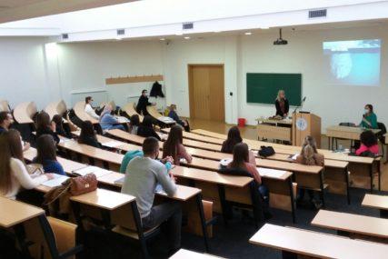 TRKA ZA INDEKSOM U akademskoj 2020/2021. upisano za 3,81 odsto manje studenata