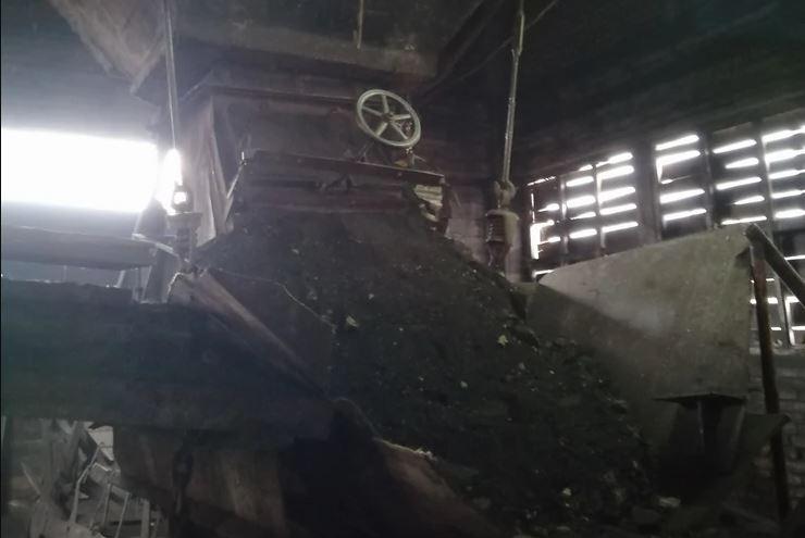 POSLJEDNJE RIJEČI NESREĆNOG RUDARA SU JEZIVE Pokušao da dohvati lopatu, pa ga ruda zatrpala u bunkeru