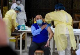 ODZIV MNOGO VEĆI OD OČEKIVANJA Za dva sata rada kol centra za vakcinaciju protiv korone se prijavilo 17.000 LJUDI