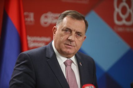 """""""OSTAĆE TEŽNJA ZA SLOBODOM"""" Dodik poručio da Republika Srpska nije slučajan istorijski odraz"""