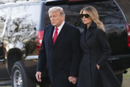 NE PRESTAJE IZNENAĐIVATI Tramp organizuje ceremoniju povodom napuštanja Bijele kuće