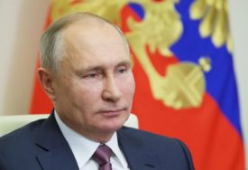 KAFA JE NEIZOSTAVNA Evo šta DORUČKUJE Vladimir Putin, prvi čovjek Rusije vijesti gleda u TERETANI (FOTO)