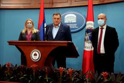 """""""SVAKODNEVNO DOBIJAMO PRIJETNJE SMRĆU"""" Dodik poručio da Tegeltija nije bezbjedan u VSTS"""