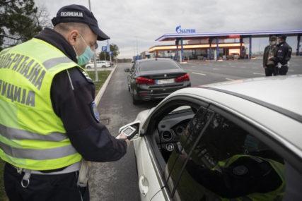 BEZ IMALO SAVJESTI Pijani divljali za volanom, pa dolijali policiji