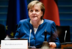 """""""SLOBODA MIŠLJENJA OD ELEMENTARNOG ZNAČAJA""""  Merkel smatra da je """"problematično"""" uklanjanje Trampovog naloga"""