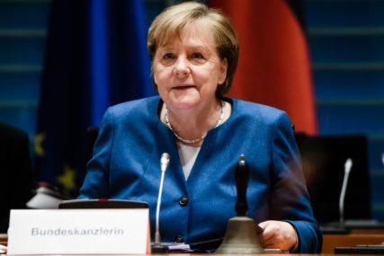 ZATEGNUTI ODNOSI ZBOG NAVALJNOG Merkel poručila da ne treba prekidati dijalog sa Rusijom