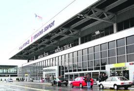 Regularno dali bris i platili cijenu: Na aerodromu u Beogradu otkriveno 20 Turaka s lažnim PCR testovima