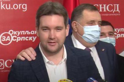 UMJESTO O SNSD, GOVORIO O SNAZI BIVŠE PARTIJE Borivoje Obradović zaboravio da više nije u DNS