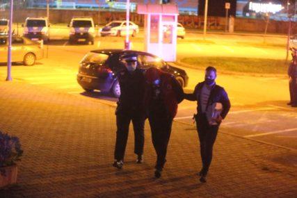 ČAMBER DOVEDEN U TUŽILAŠTVO Osumnjičeni na ispitivanju zbog ubistva i ranjavanja u Trnu