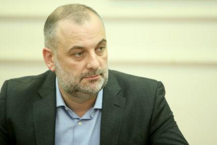 """VEOMA LOŠ PERFORMANS"" Milanović nakon protesta pojedinih službenika i predstavnika SNSD"