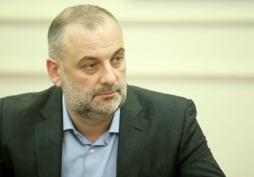 Milanović: Skupštinska većina demonstrira silu na svakom mjestu