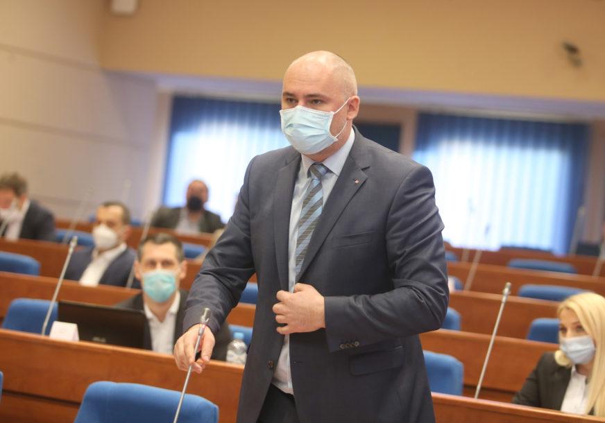 """TOPIĆ PORUČIO GRADONAČELNIKU """"Ulice čiste zbog Božije volje, a ne rada zimskih službi"""""""