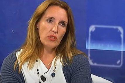 SKANDALOZNO Političarka na radiju otpjevala FAŠISTIČKU HIMNU, traži se da joj se ODUZME MANDAT