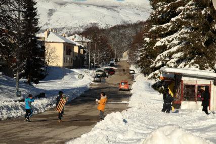 PROBLEMI U GRAHOVU Srpski povratnici zbog snijega ostali i bez vode