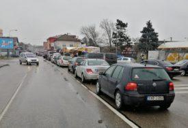 Gužve na ulazu u BiH: Kolone vozila na graničnim prelazima Gradiška i Brod