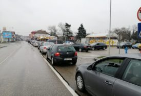 VAŽNO ZA PUTNIKE Pojačan saobraćaj u Gradiški, Izačiću i Velikoj kladuši
