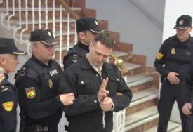 Isjekao četvoricu zatvorskih čuvara u Španiji: Igor Srbin ih napao prilikom transporta u drugi zatvor