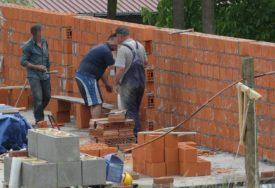 Zapeo projekat demografske obnove: Ministarstvo NIJE ISPUNILO OBEĆANJE o gradnji kuća