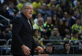 REPEŠA OPET BIJESNIO Hrvatski trener udario svog košarkaša (VIDEO)