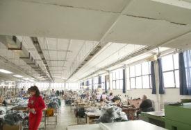 ZEMLJA SE TRESE, ALI MAŠINE NISU STALE Zemljotres u Kostajnici oštetio i javne zgrade i preduzeća