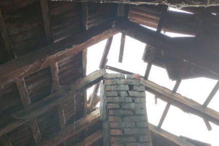 VAPAJ IZ KOSTAJNICE Potrebni građevinski materijal i kućice, svaka pomoć je DRAGOCJENA (FOTO)