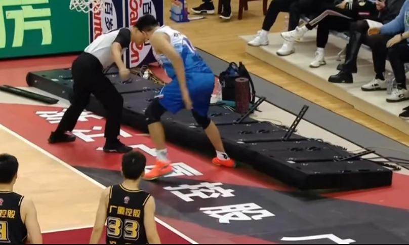NEVIĐENA BIZARNOST Raduljica došao do tripl-dabla i gledao nešto što se nije dogodilo u košarci (VIDEO)