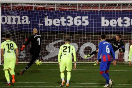 ŠUTIRAĆE DOK NE PROMAŠI Trener Eibara rekao da će golman Srbije i dalje izvoditi penale